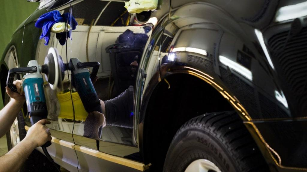 фото услуга полировки кузова автомобиля